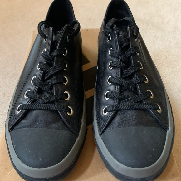 Mens Converse Leather Allstar, Size 8